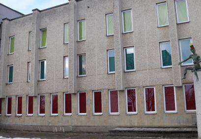 Kultūros centro langus padabino Lietuvos trispalvė