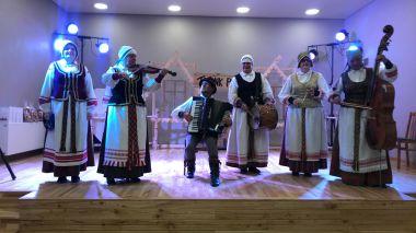"""Jonavos rajono suaugusiųjų folkloro ansamblių, tradicinių bei liaudiškų kapelų, pavienių muzikantų ir pasakorių šventė-konkursas """"Trenk polkutę"""""""