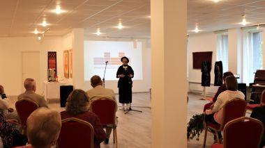 Janinos Altaravičienės darbų parodos EKSPERIMENTAI, IEŠKOJIMAI, ŽAIDIMAI SPALVOMIS atidarymas